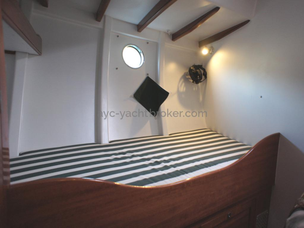 AYC Yachtbrokers - Tocade 50 - Starboard berth of forward cabin