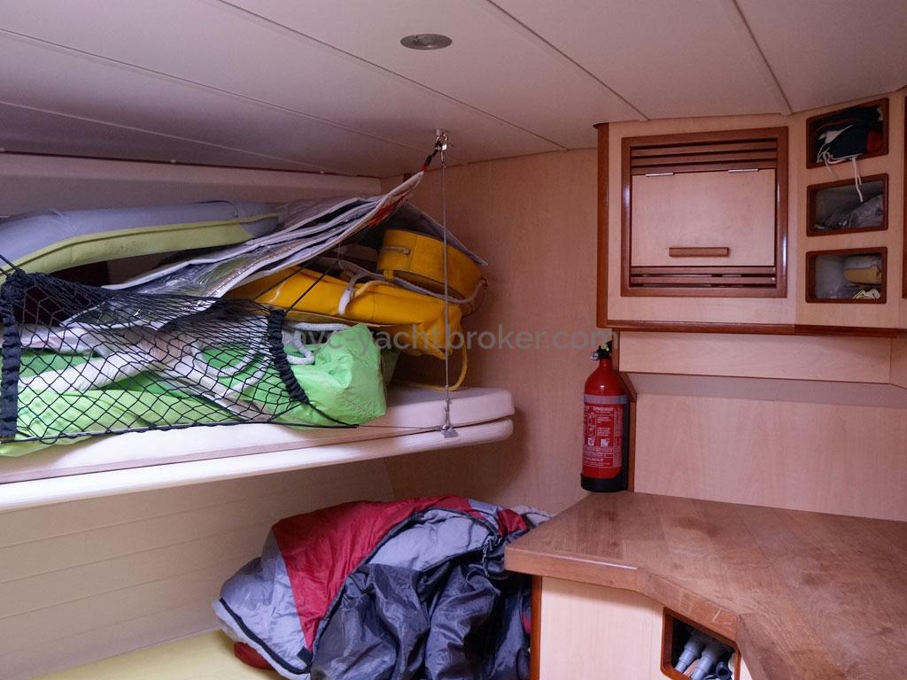 ELLYA 43 - Forward cabin