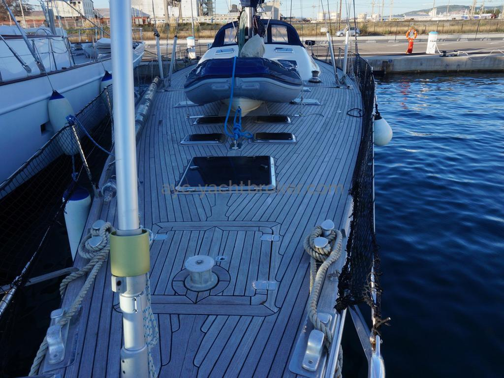SLOOP VATON 78' - Front deck