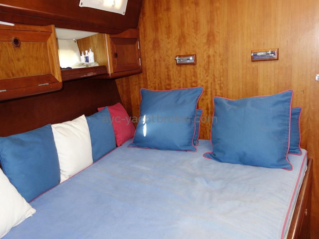Universal Yachting 49.9 - Double bed in the forward cabin