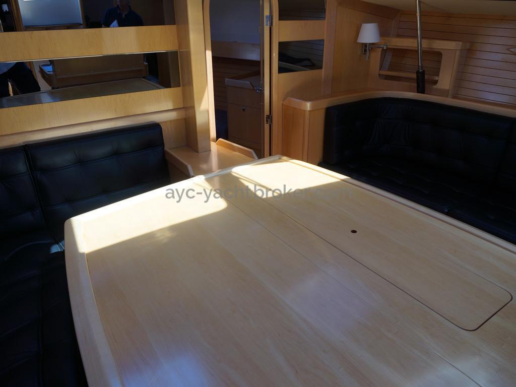 Feeling 44 Di - Folding saloon table