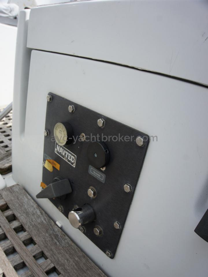 Grand Soleil 45 - Hydraulic unit control panel