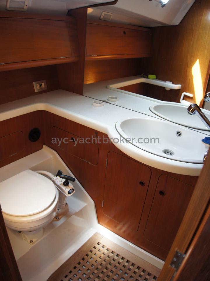 Grand Soleil 45 - Aft cabin's bathroom