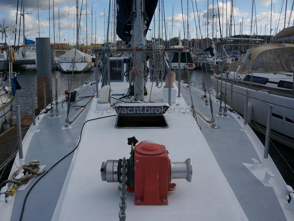 Dalu 47 - Forward deck
