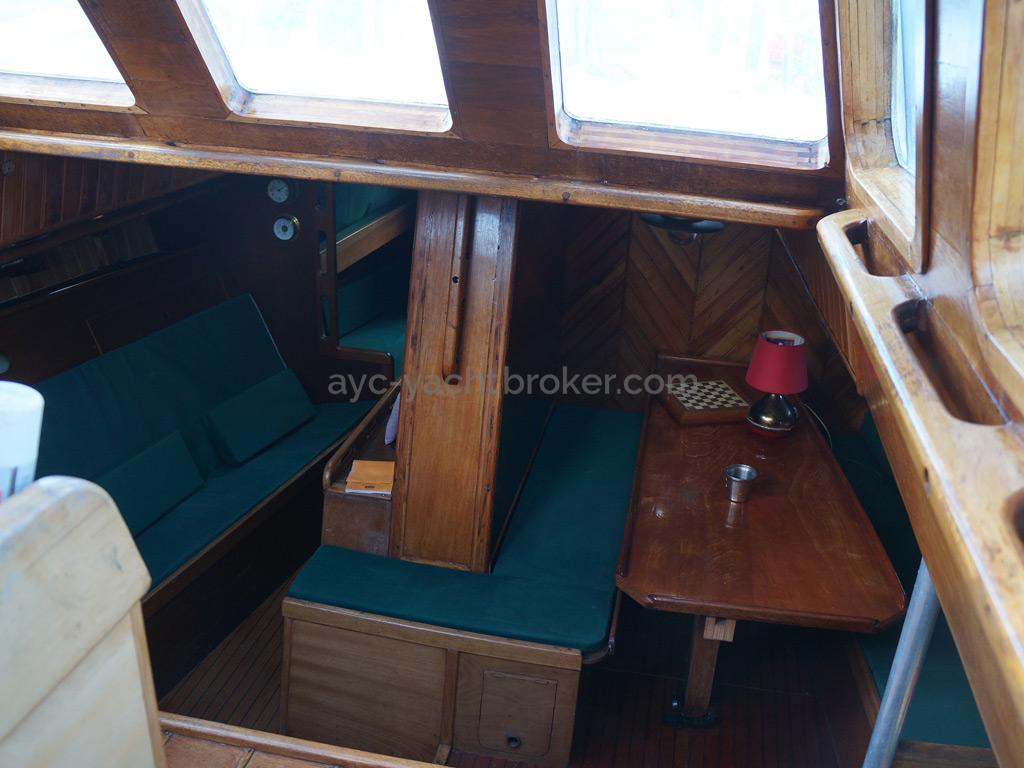 Dalu 47 - From the companionway
