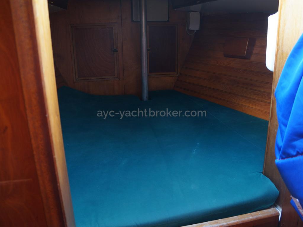 Dalu 47 - Forward cabin