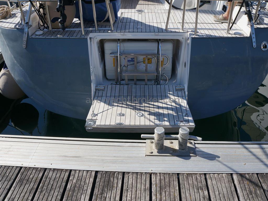 Dufour 485 Grand Large Custom - Aft platform