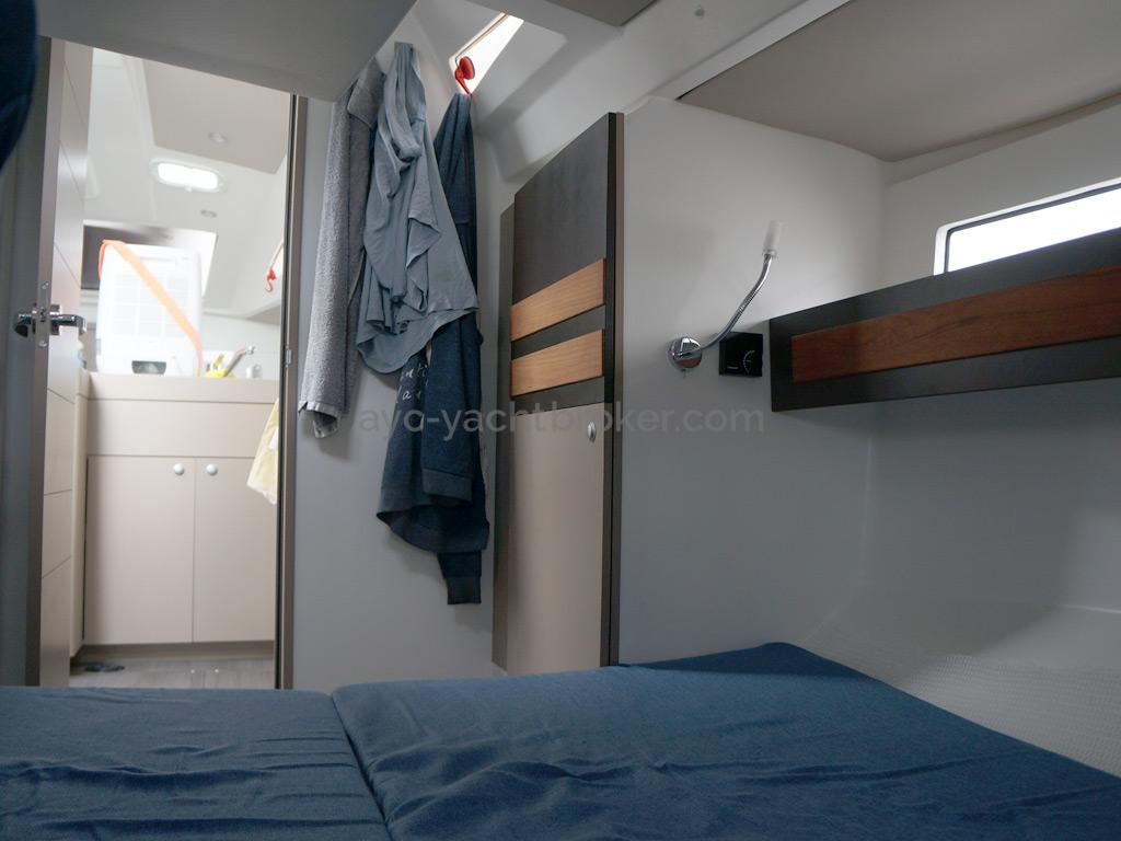 RM 1070 - Starboard aft cabin