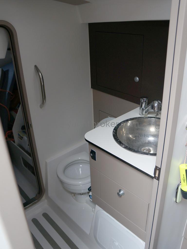 RM 1070 - Bathroom