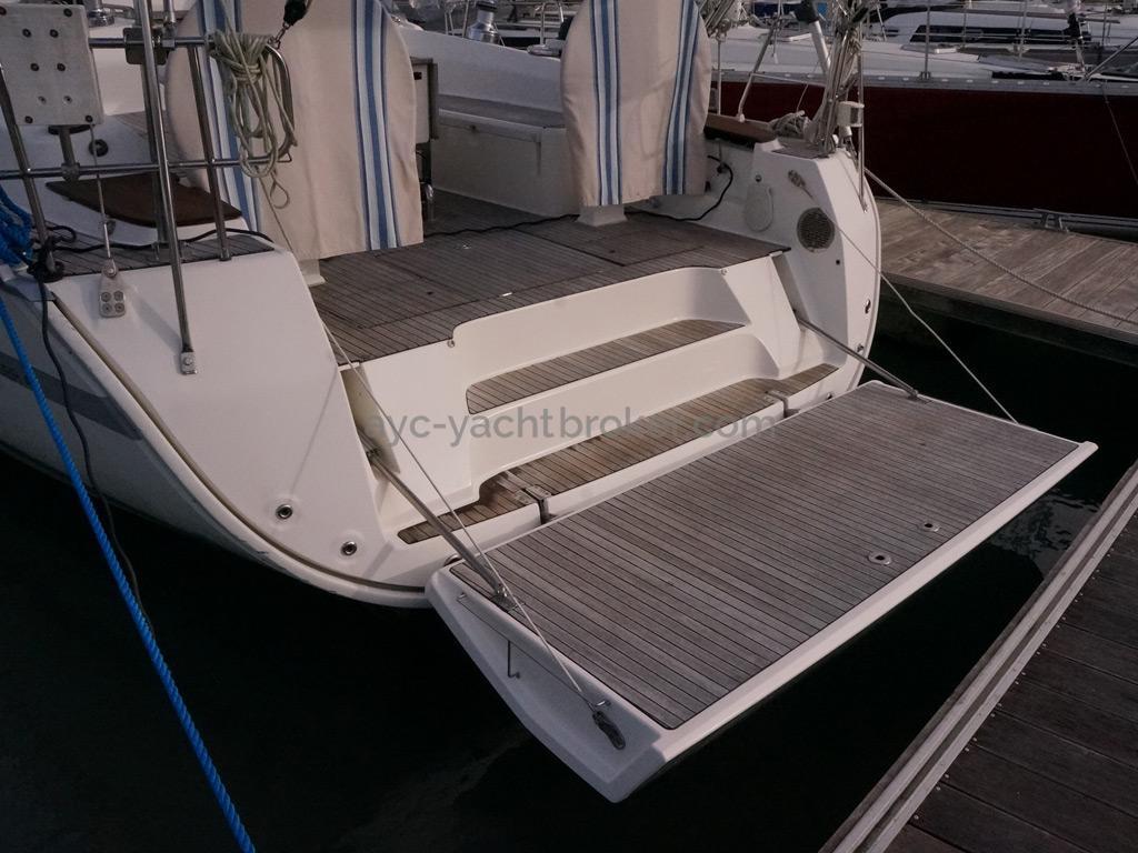 Bavaria 45 Cruiser - Large aft platform