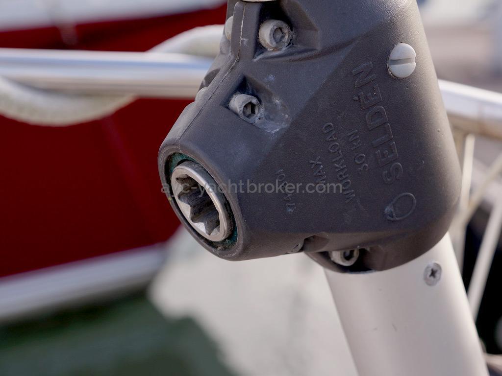 Bavaria 45 Cruiser - Backstay