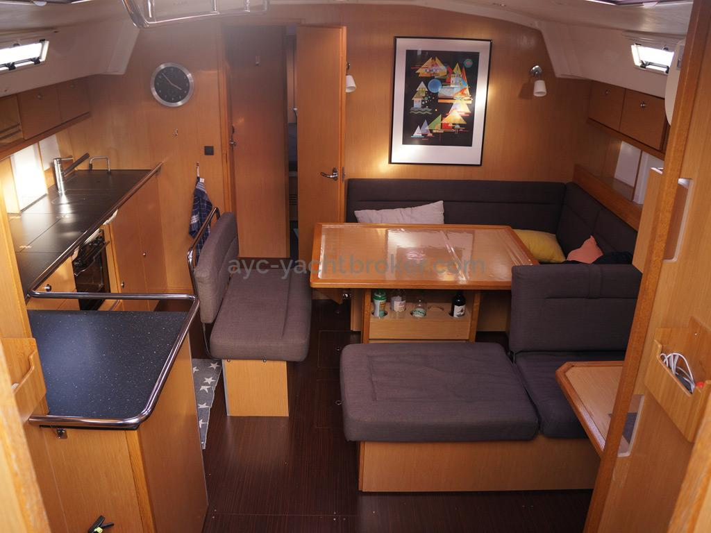 Bavaria 45 Cruiser - Saloon
