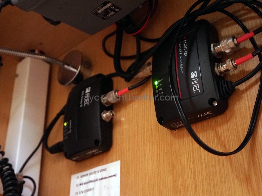 Bavaria 45 Cruiser - AIS and antennas splitter
