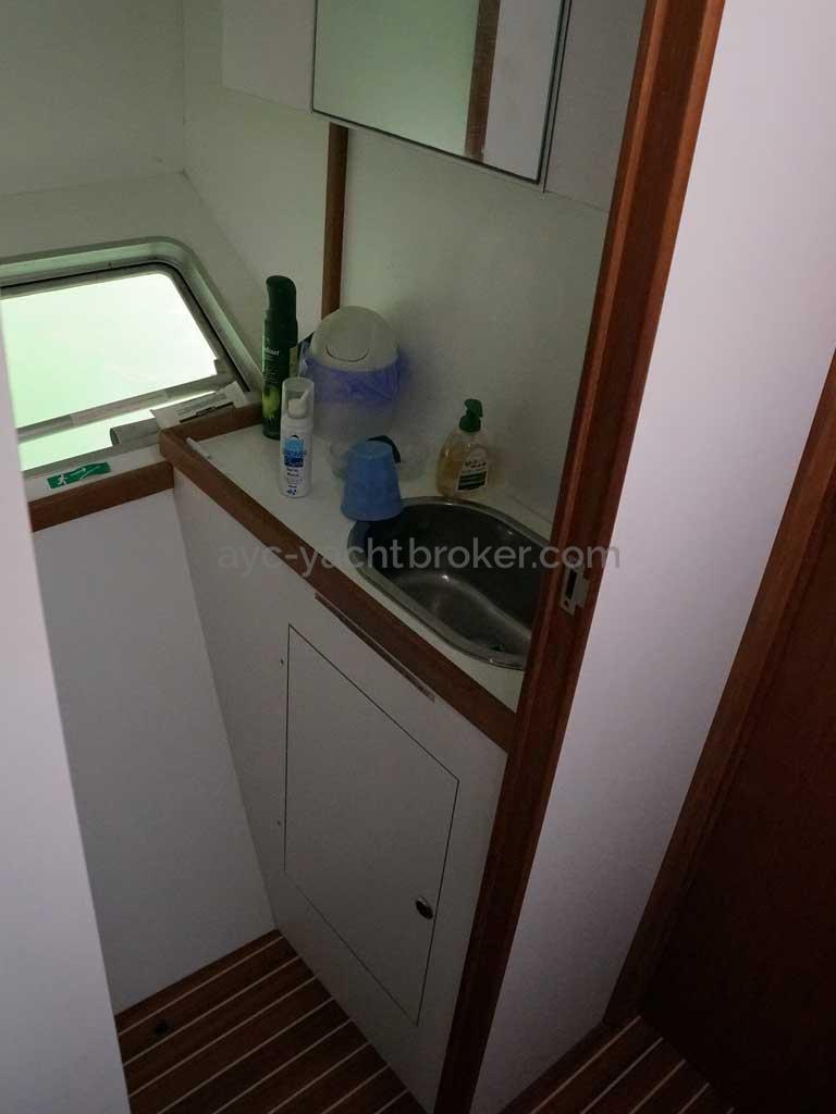 Cat Flotteur 45 - Starboard basin