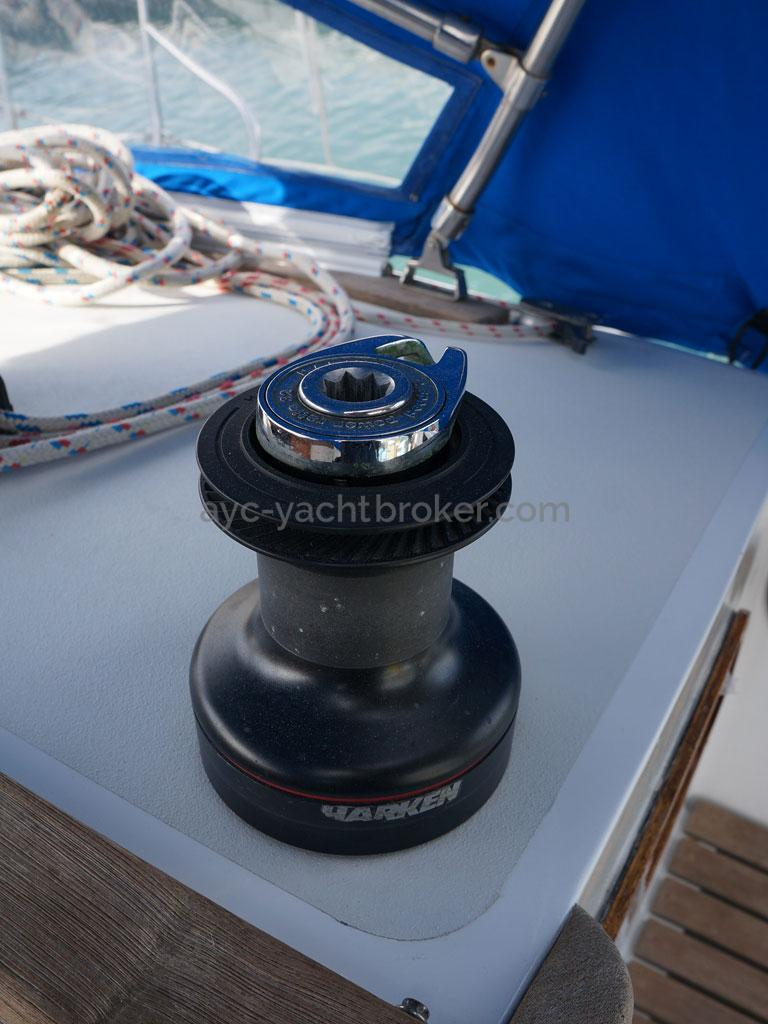 OVNI 385 - Roof winch