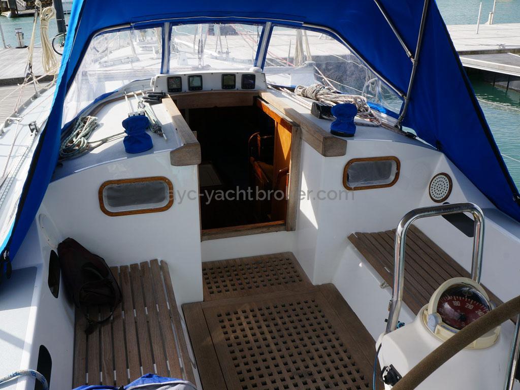 OVNI 385 - Cockpit