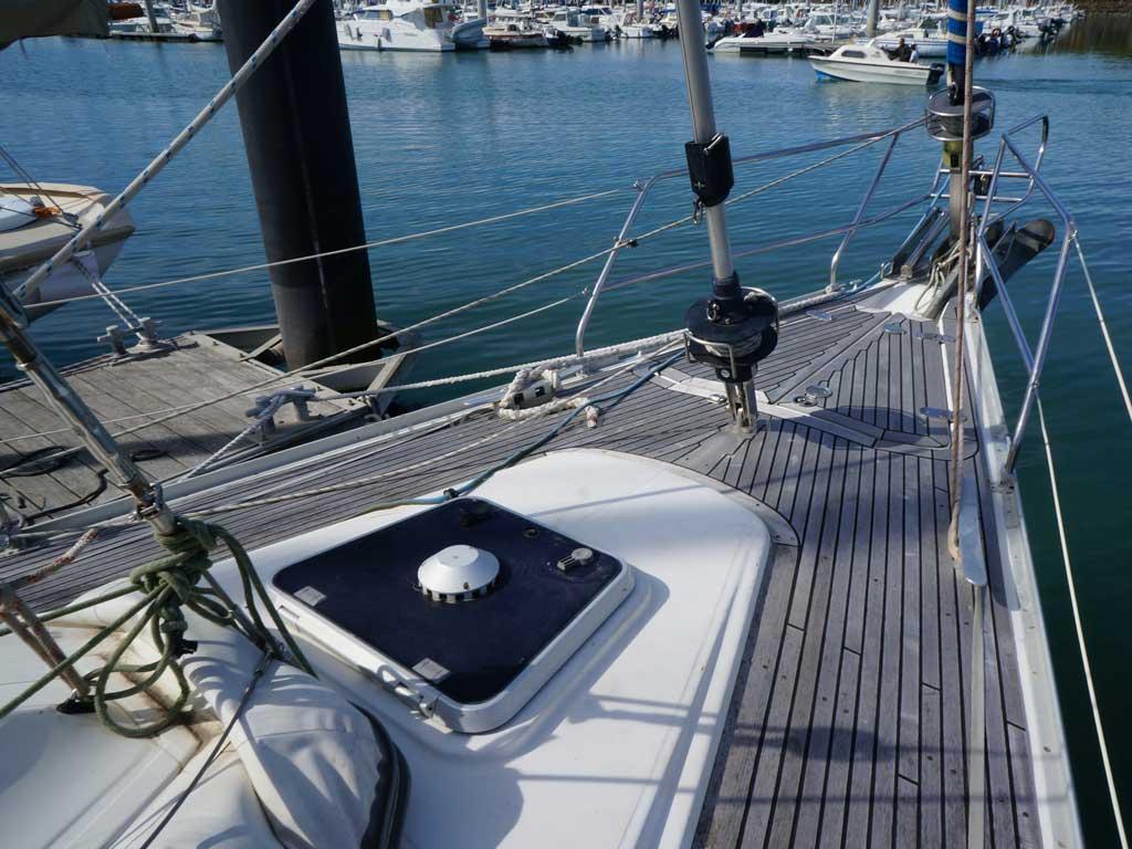 Feeling 546 Prestige - Forward deck