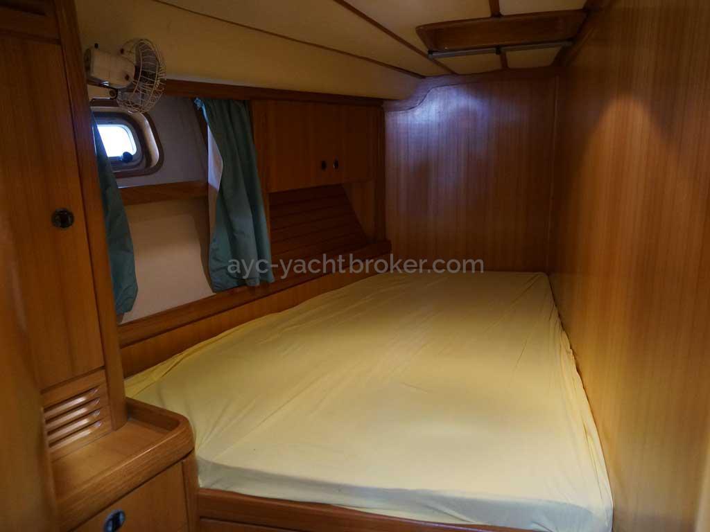 Feeling 546 Prestige - Forward port cabin