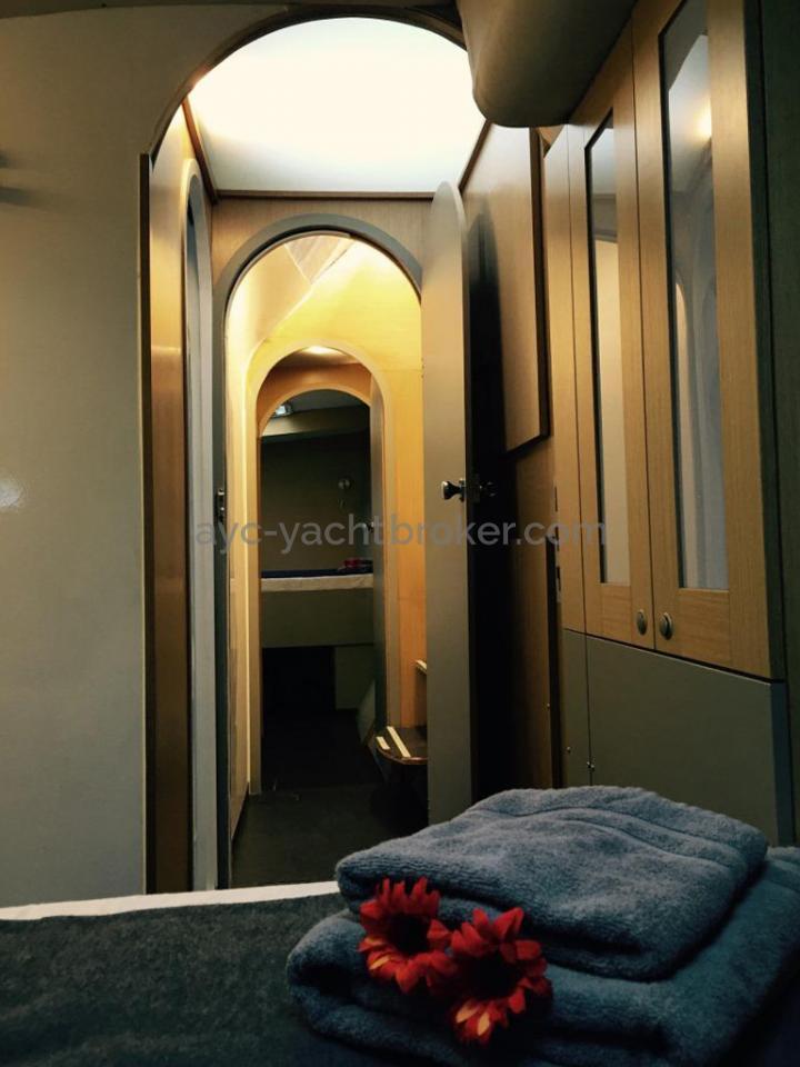 Flashcat 52s - AYC Yachtbroker - Alleyway