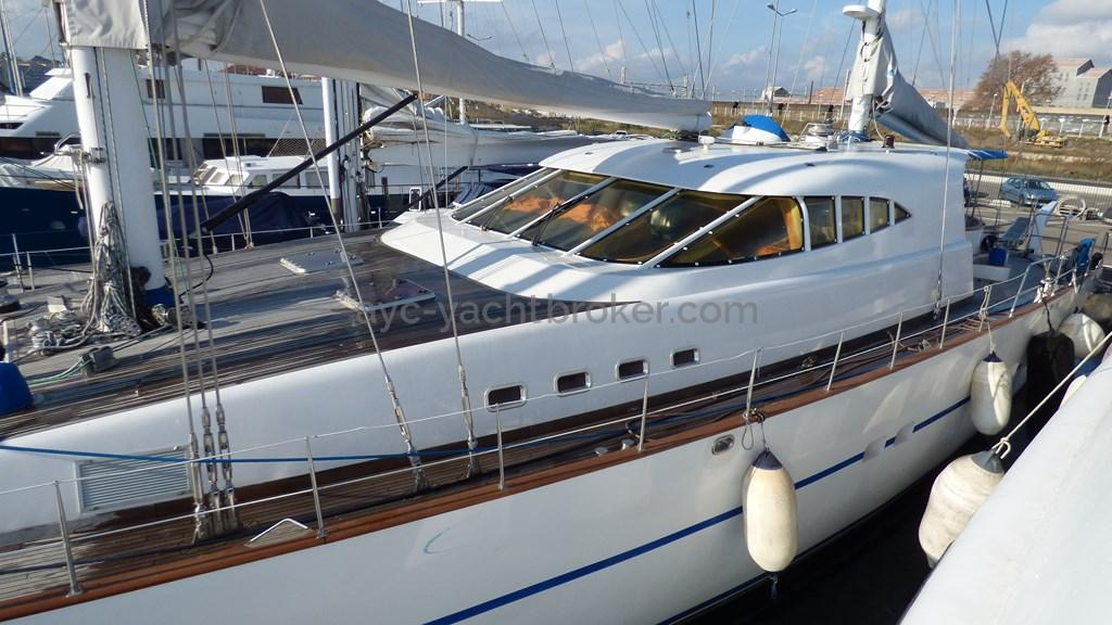 AYC - Liman Ketch - Deck