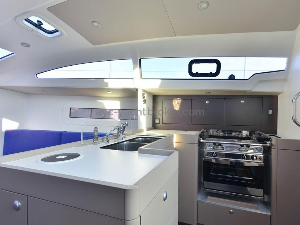 RM 1070 - Galley