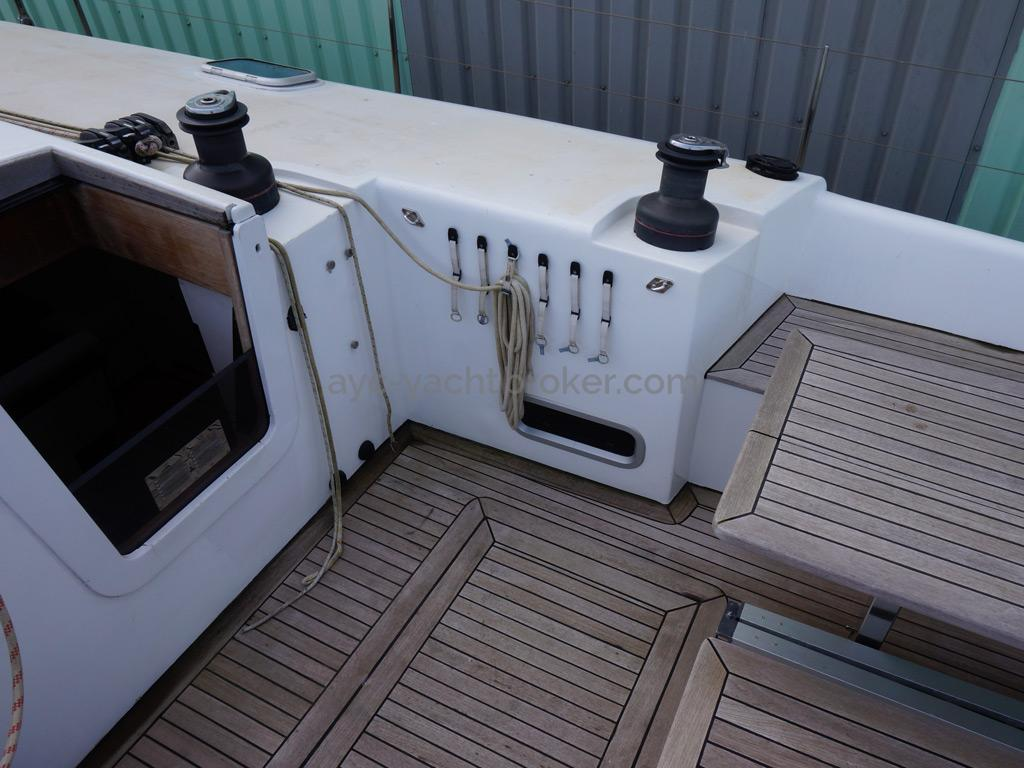 Sunreef 60S - Cockpit and halyards organizer