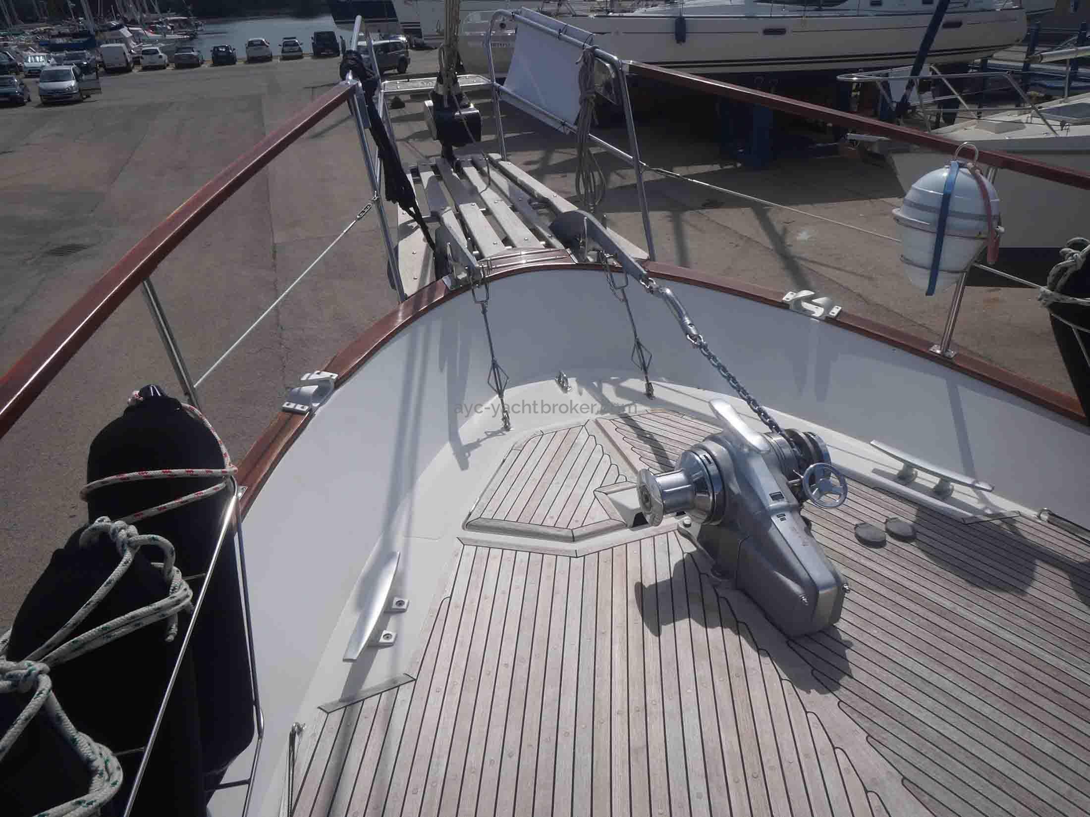 AYC International YachtBroker - NAUTICAT 441 -