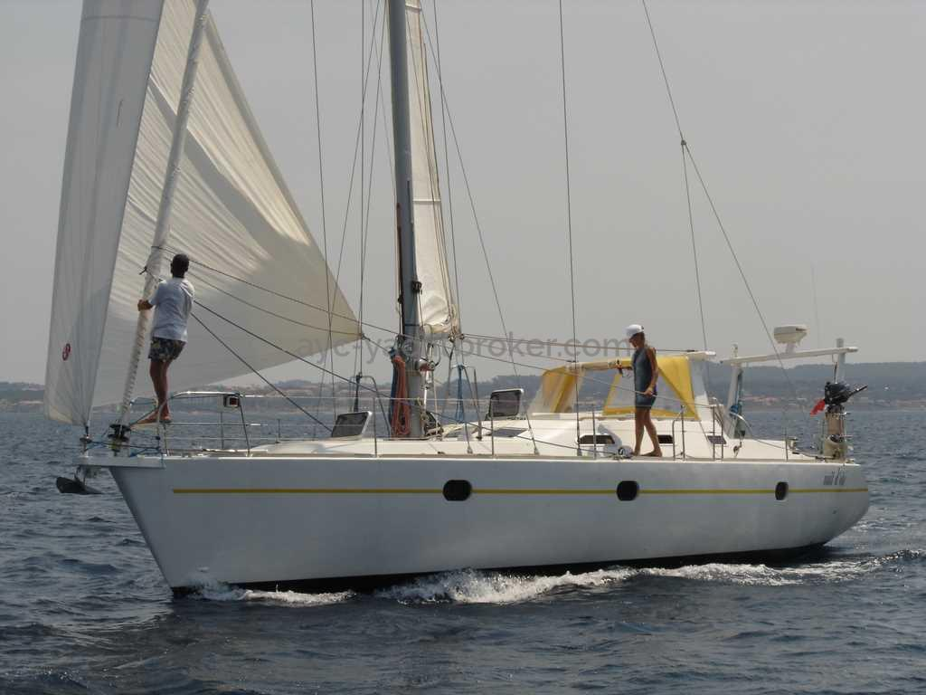 AYC - Universal Yachting 44 / Under sails