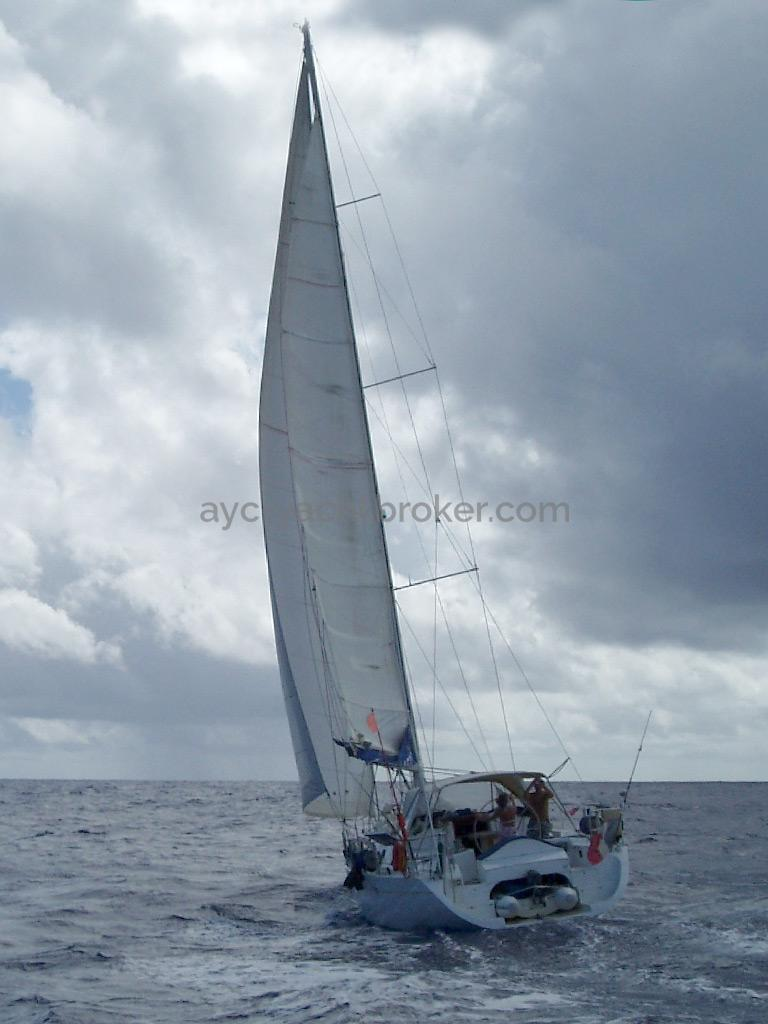 Universal Yachting 49.9 - Under sails