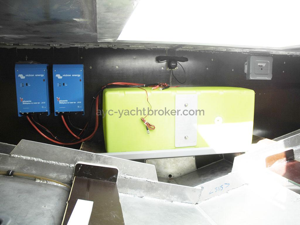 AYC Yachtbroker - Trawler Meta King Atlantique - Cockpit locker